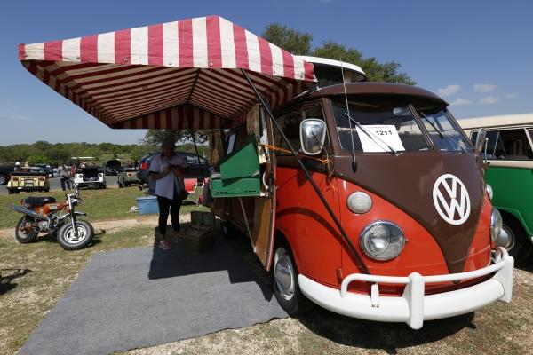 Volkswagen Corpus Christi Used Cars Pumpkin Pie (#1211) - 1966 Sealing Wax Red/Chestnut Brown Bus - Split ...