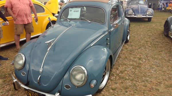 #0107 - 1956 Neptune Blue Beetle - Split/Oval