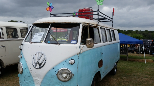 The Rat Bus (#1302) - 1961 Ocean breeze Blue and White Bus - Split Window Camper