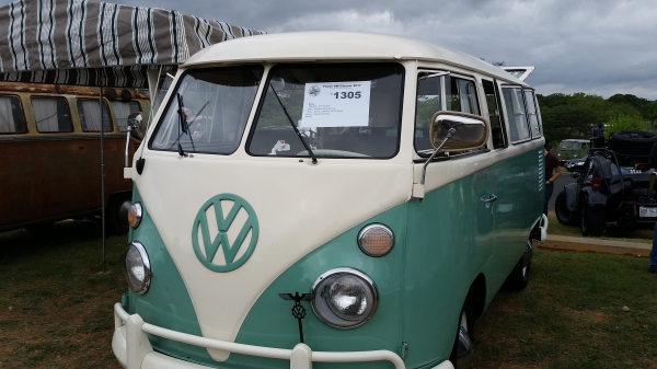 Blitzen (#1305) - 1966 Seafoam Green/Almond Bus - Split Window